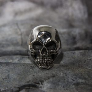 Huge Classic Skull Ring